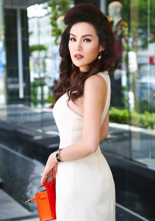 Vẻ đẹp dịu dàng của á hậu phương lê khi diện đầm trắng khéo khoe eo thon