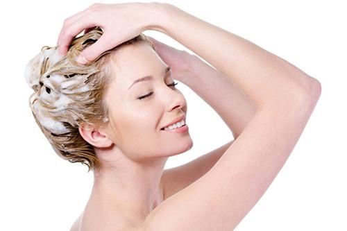 3 cách kích thích tóc mọc nhanh cho thời điểm giao mùa