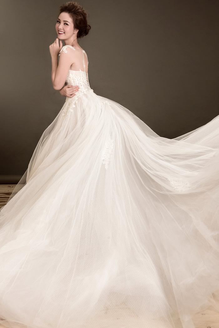 Gái một con thụy vân đẹp đến nín thở với váy cưới