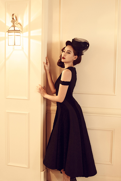 Nữ người mẫu the face mê hoặc trong những chiếc đầm đen