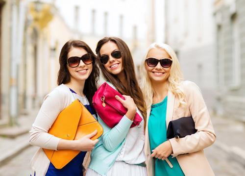 Check list mua sắm cho bạn gái trẻ tự tin