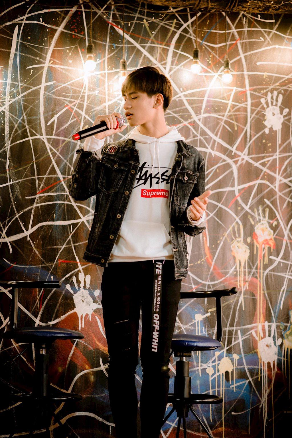 Hot boy 2k xứ lạng sở hữu giọng ca vạn người mê