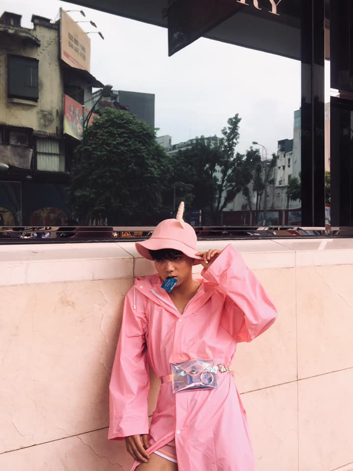 Một ca khó trên đường phố của vietnam international fashion week