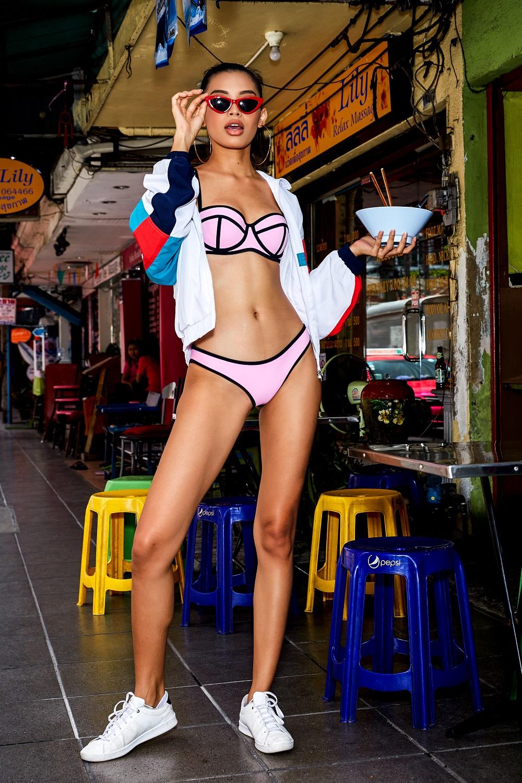 Trước ngày lên đường thi hoa hậu minh tú gây bất ngờ mặc bikini
